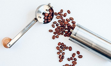 best hand operated coffee grinder.